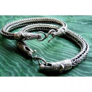 12. Плетеные браслеты