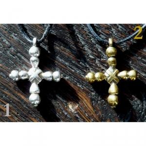 13. Нательный крестик