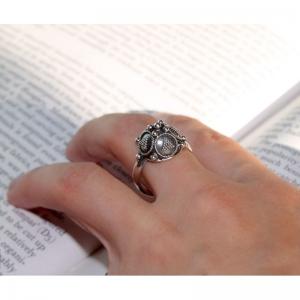 67. Нежное и женственное кольцо