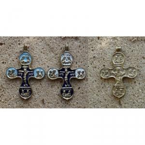 2. Наперсный крест