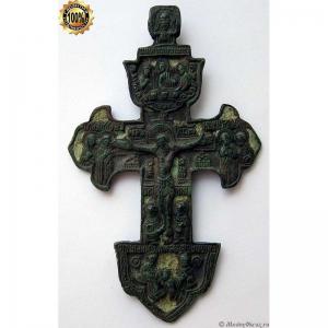 3.17  Медный крест Распятие Христово, две эмали,18в.