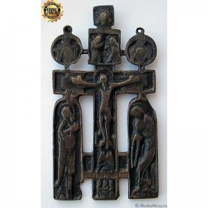 3.32 Крест Распятие Христово с предстоящими и серафимами, 17-18в