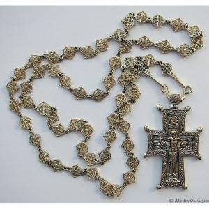 4.1.22 Крест наперсный медный с цепью для священника