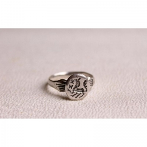 55. Перстень-печатка со львом
